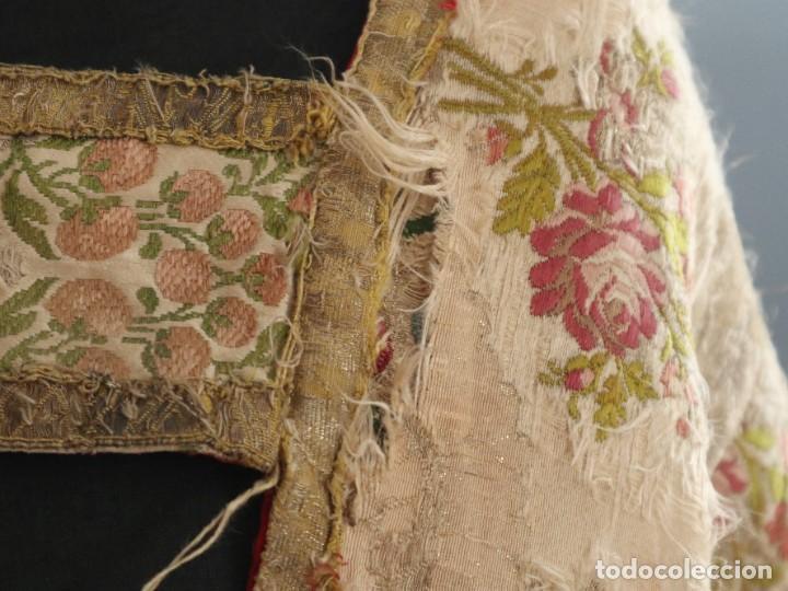 Antigüedades: Capa pluvial confeccionada en seda espolinada y brocada. España, siglo XVIII. - Foto 5 - 288574503