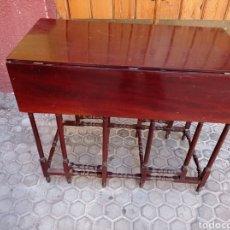 Antigüedades: MESA DE CAOBA DE ALA. Lote 288600593