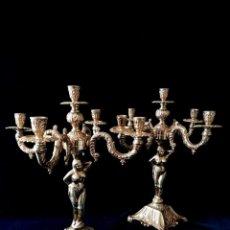 Antigüedades: ANTIGUOS CANDELABROS EN BRONCE DORADO CON DECORACIÓN DE UNA MUJER. MEDIADOS SIGLO XX. Lote 288603403