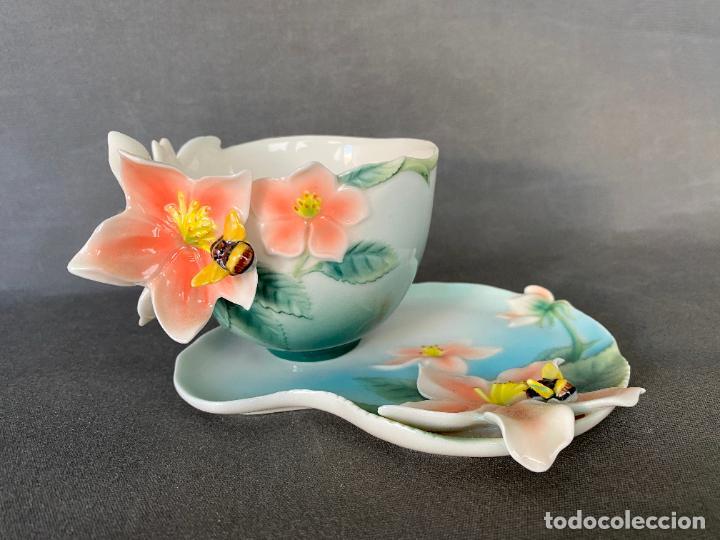 FRANZ PORCELAIN BEE DESIGN , TEA CUP , PORCELANA CHINA , (Antigüedades - Porcelanas y Cerámicas - China)