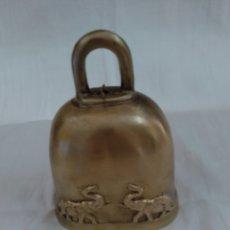 Antigüedades: CAMPANA DE BRONCE TAILANDESA SIGLO 19. Lote 288639553