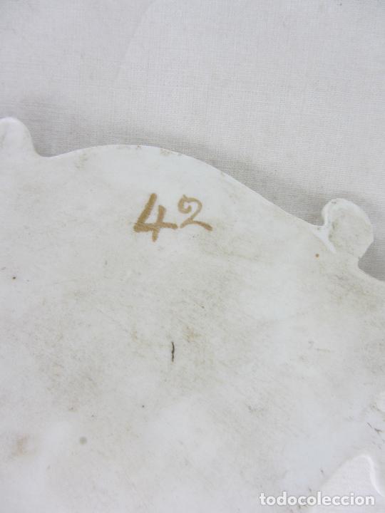 Antigüedades: Benditera en porcelana del siglo XIX - Foto 8 - 288650638