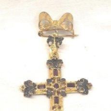 Antigüedades: CRUZ RELICARIO AGUJA BROCHE. MED. 7 CM. Lote 288700818