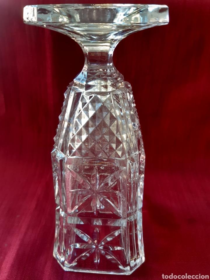 Antigüedades: Florero de cristal tallado a mano. Jarrón - Foto 4 - 288701233