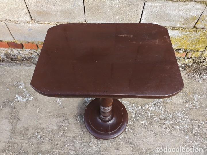 Antigüedades: Velador antiguo estilo alfonsino. Mesa auxiliar antigua estilo inglés. - Foto 4 - 288719043