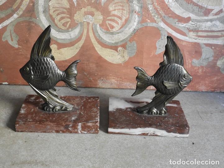 Antigüedades: APOYALIBROS CON FIGURAS DE PECES SOBRE MARMOL - Foto 6 - 288731148