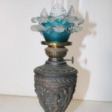 Antigüedades: QUINQUÉ ANTIGUO CON ANGELES. Lote 288860158