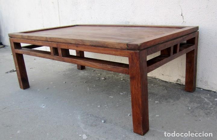 Antigüedades: Mesa baja estilo colonial, rustico para salon o porche, madera maciza de palisandro - Foto 4 - 288894138