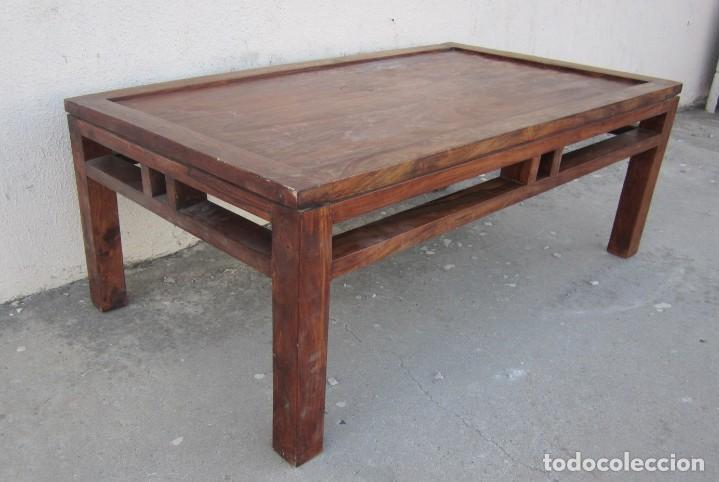 Antigüedades: Mesa baja estilo colonial, rustico para salon o porche, madera maciza de palisandro - Foto 5 - 288894138