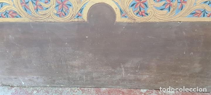 Antigüedades: CAMA OLOTINA CON LA VIRGEN DEL CARMEN. MADERA TALLADA Y POLICROMADA. SIGLO XVIII. - Foto 14 - 288916953