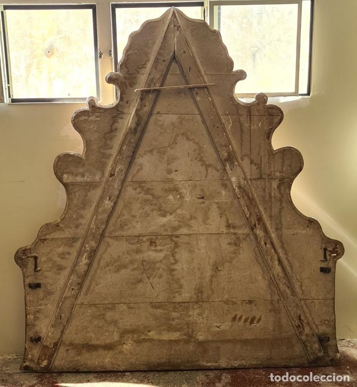Antigüedades: CAMA OLOTINA CON LA VIRGEN DEL CARMEN. MADERA TALLADA Y POLICROMADA. SIGLO XVIII. - Foto 18 - 288916953