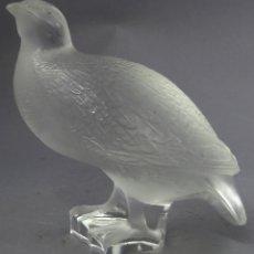 Antigüedades: PERDIZ DE CRISTAL GLACE TALLADO LALIQUE FIRMADO FRANCIA SIGLO XX. Lote 288939828
