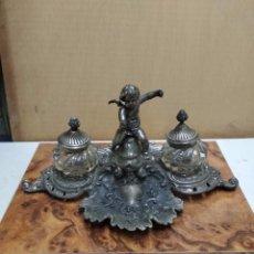 Antigüedades: TINTERO DOBLE EN METAL Y CRISTA, ANTIGUO. Lote 288979333