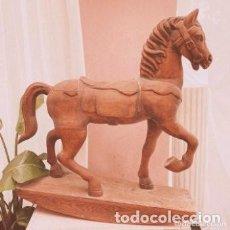 Antigüedades: PRECIOSO CABALLO ANTIGUO TALLADO EN MADERA ANTIQUE UNIQUE. Lote 289212628