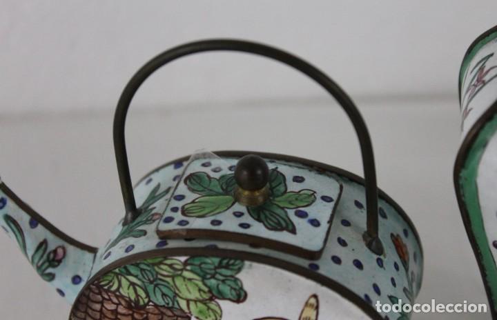 Antigüedades: Jarrón y tetera chinos en metal pintado a mano. Mediados del siglo XX - Foto 6 - 289219713