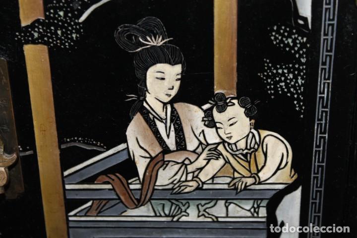 Antigüedades: Mueble chino en madera lacada, pintada a mano y aplicaciones. Mediados del siglo XX - Foto 5 - 289240623