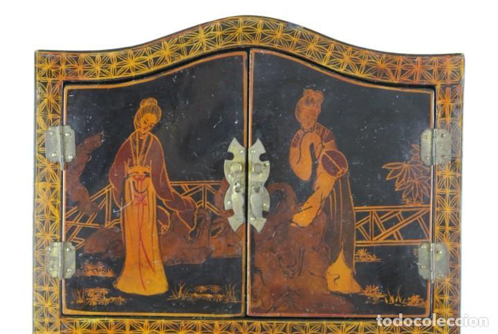 Antigüedades: Mueble joyero chino en madera lacada y pintada a mano. Mediados del siglo XX - Foto 3 - 289241518