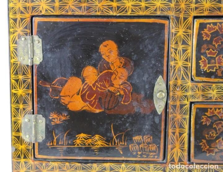 Antigüedades: Mueble joyero chino en madera lacada y pintada a mano. Mediados del siglo XX - Foto 5 - 289241518
