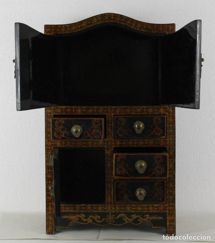 Antigüedades: Mueble joyero chino en madera lacada y pintada a mano. Mediados del siglo XX - Foto 6 - 289241518
