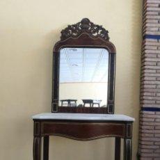 Antigüedades: CONSOLA CON INCRUSTACIÓN DORADA Y ESPEJO. Lote 289404663