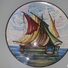 Antigüedades: PLATO DE CERÁMICA ESMALTADA FIRMADO POR F. TARREGA PINTADO A MANO.. Lote 289409593