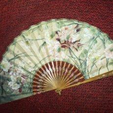 Antigüedades: ABANICO ARTNOVEAU, LES PARFUMS-AILLETS- CLAVELES. Lote 289414598