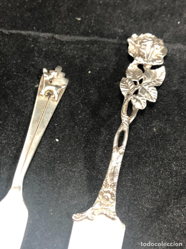 Antigüedades: Pareja de pequeños cuchillos de plata de ley, de colección. Recuerdos de Viajes. buen estado. 925 - Foto 2 - 289538833