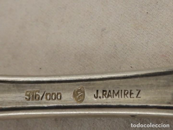 Antigüedades: BONITO CUCHARON DE SERVIR DE PLATA MACIZA 916 DEL PLATERO J. RAMIREZ - Foto 7 - 289543638