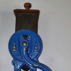 Antigüedades: MOLINILLO DE PAN Y ALMENDRAS - ELMA. Lote 289546958