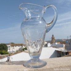 Antigüedades: PRECIOSA JARRA DE VIDRIO SOPLADO Y TALLADO, 26,5CM, 1111GR, CARTAGENA?. Lote 289590688