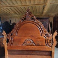 Antigüedades: CAMA DE 135 DE CASTAÑO MACIZA. Lote 289607518