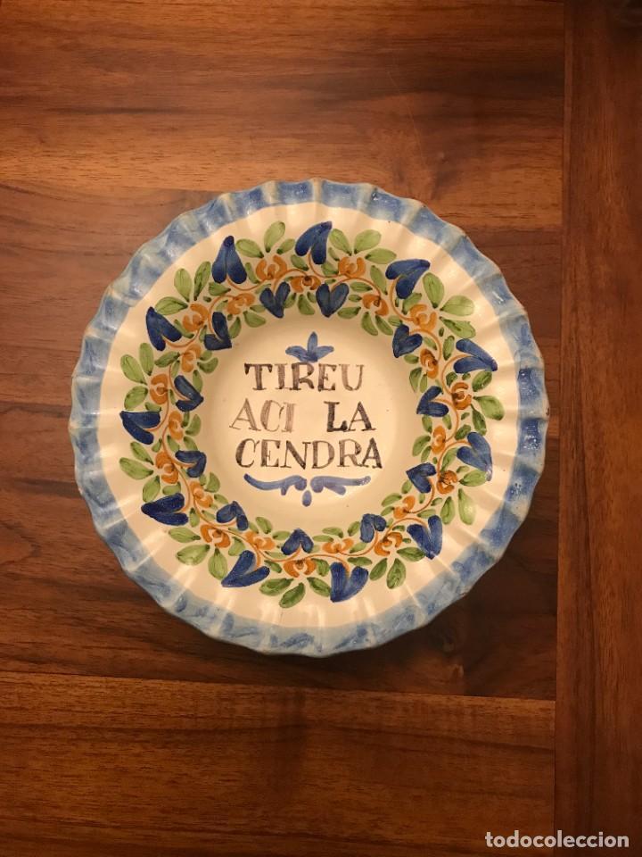 Antigüedades: Antiguo Cenicero de loza pintado a mano con texto en catalán . - Foto 2 - 289634323
