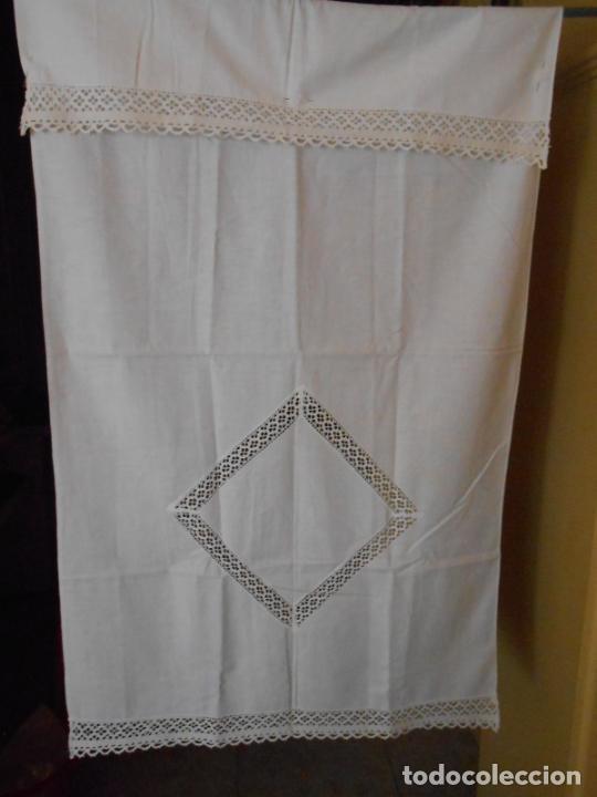 Antigüedades: Antiqua toalla / Cortina de llino.Blanco.Con puntilla y entredos 116 x 67 cm. - Foto 6 - 289729223