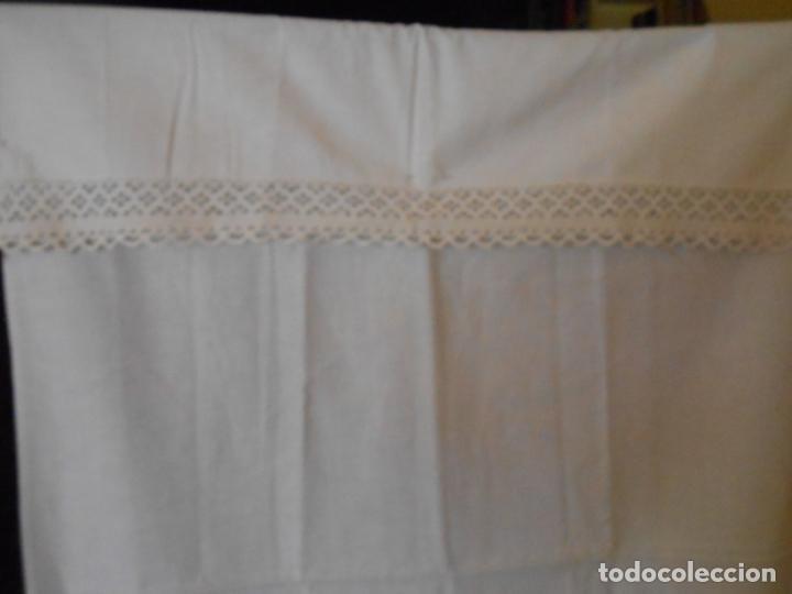 Antigüedades: Antiqua toalla / Cortina de llino.Blanco.Con puntilla y entredos 116 x 67 cm. - Foto 7 - 289729223