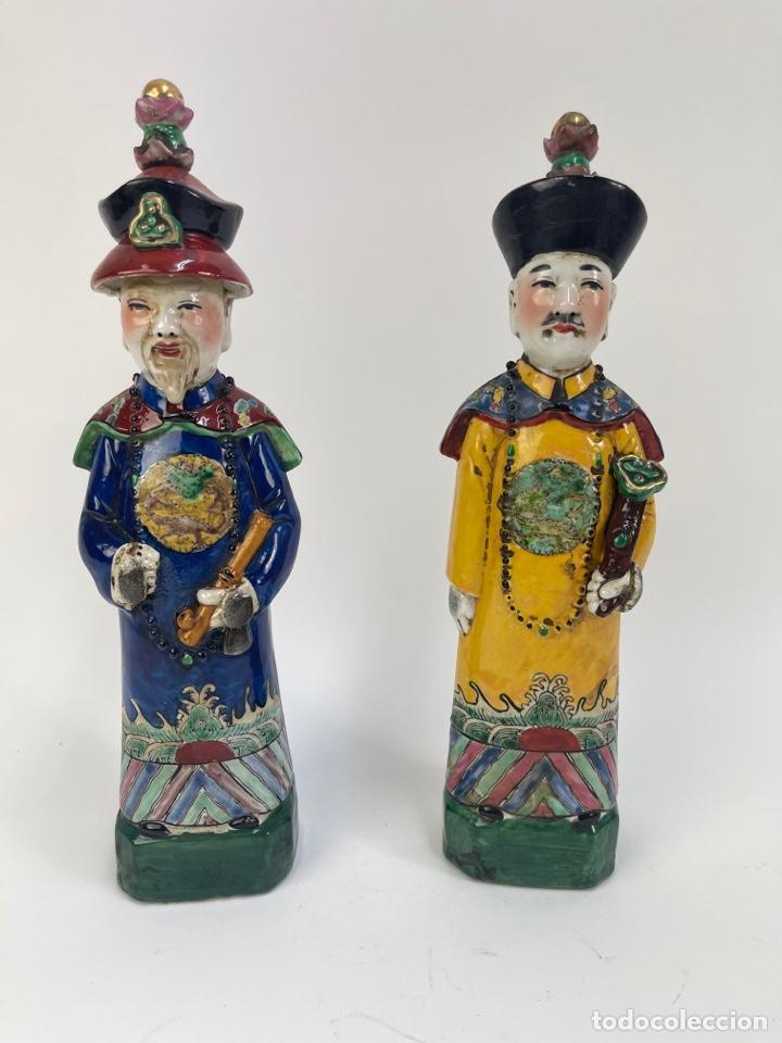 PAREJA DE FIGURAS DE PORCELANA ORIENTAL. FINALES S.XIX-PRINCIPIOS S.XX. (Antigüedades - Porcelanas y Cerámicas - China)