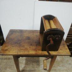Antigüedades: MESA BREGAR EL PAN MADERA CASTAÑO. Lote 290112503