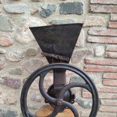 Antiguidades: MOLINO DE GRANO. Lote 290139193