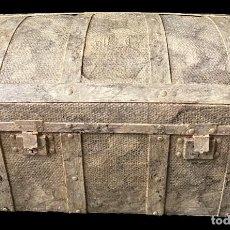 Antigüedades: ANTIGUO BAÚL, ,ARQUETA, ARCA, ARCÓN, CAJA DE MADERA MARMOLIZADO. 85X47X44. RAREZA.. Lote 290472023