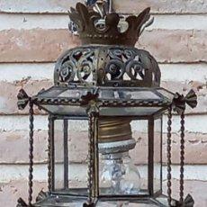Antigüedades: FAROL ANTIGUO EXAGONAL EN CHAPA CALADA, ALAMBRE SOGUEADO Y CRISTAL.. Lote 290850238