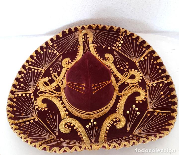 Antigüedades: Gran sombrero mejicano charro mexico Pigalle XXXXX terciopelo granate 58 cm - Foto 2 - 291172193