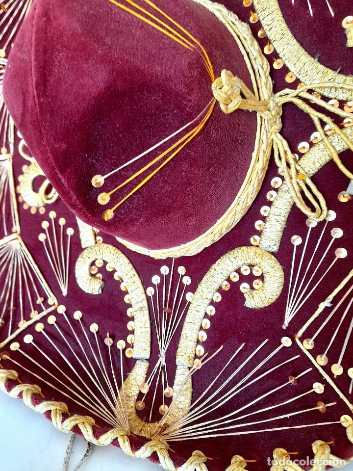 Antigüedades: Gran sombrero mejicano charro mexico Pigalle XXXXX terciopelo granate 58 cm - Foto 5 - 291172193
