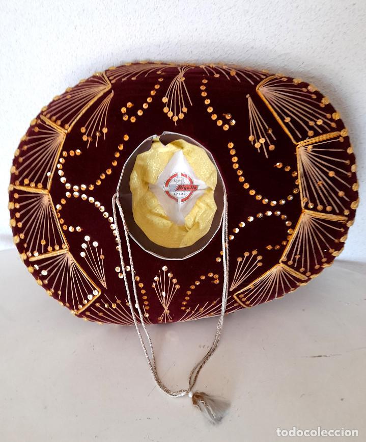 Antigüedades: Gran sombrero mejicano charro mexico Pigalle XXXXX terciopelo granate 58 cm - Foto 7 - 291172193