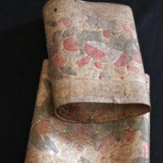 Antigüedades: CORDOBANES O GUADAMECÍES DECORADOS CON FLORES Y ÁNGELES. SIGLO XVIII. MIDEN 55 X 26 CM.. Lote 292399858