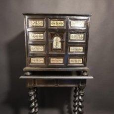 Antigüedades: BARGUEÑO ITALIANO DE MARFIL SIGLO XIX. Lote 292569893