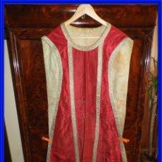Antigüedades: ANTIGUA CASULLA DE IGLESIA CON REMATES DE ORO. Lote 292585078