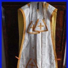 Antigüedades: ANTIGUA CASULLA DE IGLESIA CON ESTOLAS. Lote 292585948
