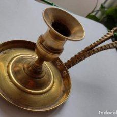 Antigüedades: CANDELABRO - PORTAVELAS - CANDIL - METAL - COBRE - VINTAGE - DECORADO. Lote 292597828