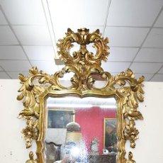 Antigüedades: ESPEJO ANTIGUO TALLADO DORADO DE MADERA. Lote 292600763