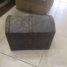Antigüedades: COQUETO BAUL PARA RESTAURAR. Lote 292963158