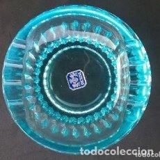 Antigüedades: BONITO CENICERO CRISTAL AZUL INCRISA CON ETIQUETA. Lote 293428428